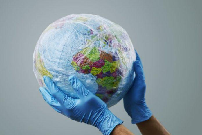 Plástico é 'herói' da pandemia de coronavírus, diz setor
