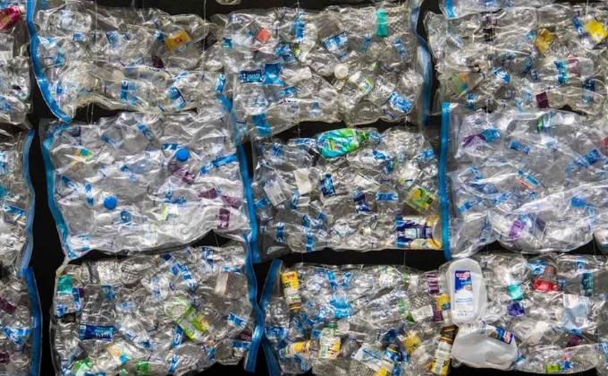Cientistas transformam resíduos de plástico em mercadorias valiosas